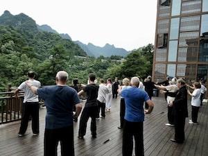 Pratique taiji de groupe au wudang